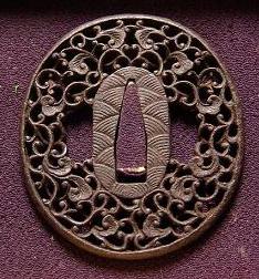 南蛮唐草の日本刀の鍔